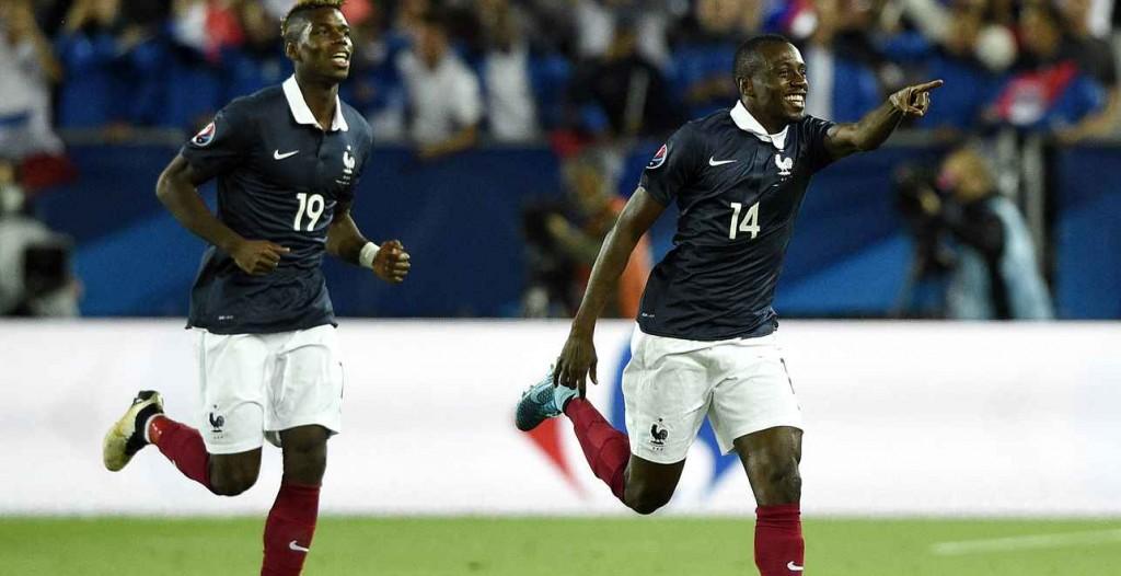 Le joueur du PSG Blaise MAtuidi euphorique avec les Bleus