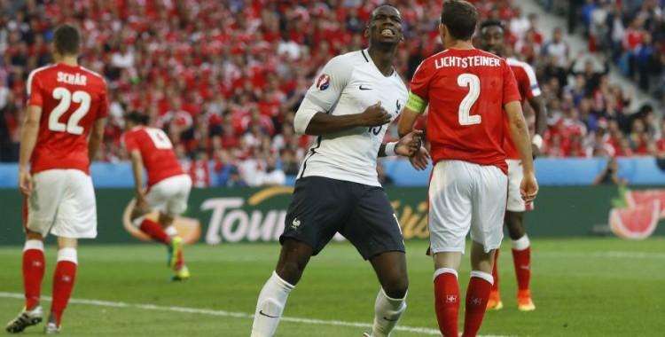 Pogba touche la transversale face aux Suisses