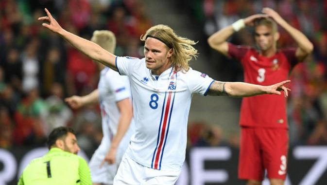 Match nul arraché par les Islandais